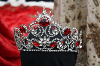 Gorgeous jeweled crown