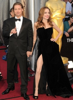 Brad Pitt in Tom Ford & Angelina Jolie in Atelier Versace